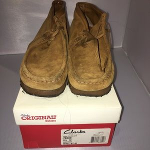 Clark's Originals Wallabee shoes in Chestnut